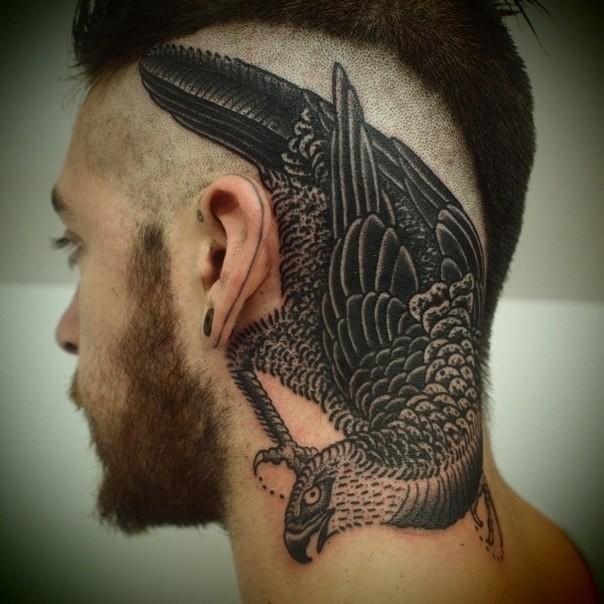 Фото татуировок с птицами мужчина